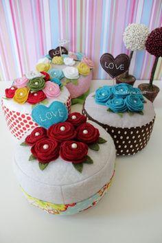 I think Sew: Product List Felt Cake, Felt Roses, Chocolate Hearts, Felt Food, Rose Cake, Play Food, Food Crafts, Felt Diy, Diy Doll
