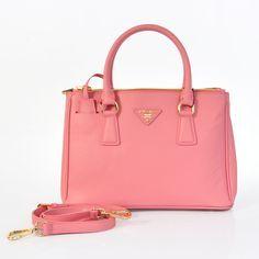 9ff8d1f4c8c3 Prada handbags MICHAEL Michael Kors handbag Discover and share your fashion  ideas here