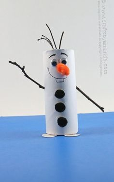 Cardboard Tube Olaf: Snowman from Frozen by Amanda Formaro of Crafts by Amanda by bernadette xmas crafts for kids;Christmas Crafts – 20 Character Inspired Kid's CraftsE-mail - Lieve Van Campenhout - OutlookAn Olaf out of a toiletroll Kids Crafts, Toddler Crafts, Crafts To Do, Preschool Crafts, Arts And Crafts, Kids Diy, Craft Projects, Craft Ideas, Winter Crafts For Kids