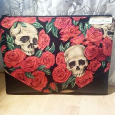 Keep calm and buy handmade. FB+Instagram: isewsoidontkillpeople Etsy Shop: issidkp.etsy.com
