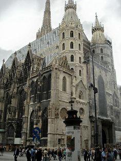 do- St Stephen cathedral, Vienna, 1370-1433