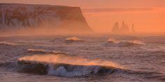 Солнечный Ветер. Через два часа улетаю на тур в Исландию! Надеюсь, что будет не хуже, чем в феврале 2016.  А в феврале 2018 приглашаю на зимние Лофотены!  http://www.worldphototravels.com/Lofoten-Archipelago-2018.php #vik #basalt #nature #iceland #photography #sky #sea #motion #pink #surf #storm #horizontal #speed #outdoors #scenic #no people #reynisdrangar #horizon over wate #r reynisfjara #breaking waves #power in nature #south central iceland#vik #basalt #nature #iceland #photography #sky…