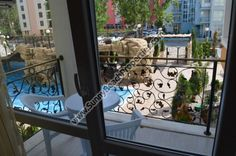 BlickPool Luxus voll moblierte  2-Zimmer-Wohnung de Lux zum Verkauf in das ganze Jahr über Luxus Sweet Home 2 in absolut ruhiger Lage im Zentrum von Sonnenstrand, Bulgarien. Ideal für das ganze Jahr mit viel ganzjährig Restaurants leben, Geschäfte, Mini-Märkte, Banken und Apotheke zu Fuß erreichbar. 100 m. vom Aquapark und 10 Minuten zu Fuß vom Strand entfernt. Neben ganzjährig Supermarkt MM. 5% Rabatt für Zahlung von 100%. 1 Jahr oder 2 - Jahr verschoben Zahlung möglich. Das Leben in und…