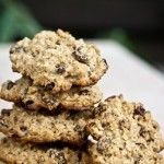 Hearty Oatmeal Raisin Cookies1 cup white whole-wheat flour 1 cup quick-cooking oats (3-minute variety) 2 teaspoons baking powder 1 teaspoon cinnamon 1 cup raisins 2 tablespoons coconut oil (or other healthy oil, such as safflower) 3 egg whites 2 teaspoons pure vanilla extract 1/2 cup honey