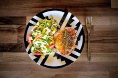 Low Carb Ideen - Hähnchenbrust auf dem Grill mit grüne Paprika, Zwiebeln, Champignons und Datteltomaten.  - photography - food Ⓒ PASTELPIX