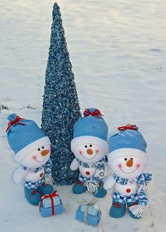White/ Blue Christmas Snowmen.