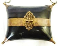 ANTIQUE VICTORIAN SHELL/HORN PURSE BAG SNUFF BOX. would also work well to hold camera, lipstick, wallet & keys.