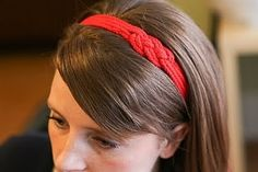 How to make a Nautical Headband Materials: yds of rope or ribbon cut into 4 equal strands yd 1 inch twill -hair band -sewing needle. Headband Tutorial, Diy Headband, Diy Tutorial, Knotted Headband, Nautical Knots, Nautical Jewelry, Brenda, Do It Yourself Fashion, Diy Clothing