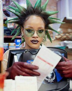 Rihanna | green spikey hair