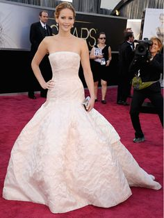 Jennifer Lawrence in Dior Haute Couture.