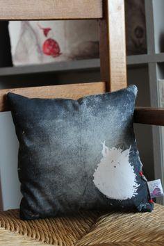 White pet mini square cushion (17cm). original printed illustration on cotton fabric. For big kids!