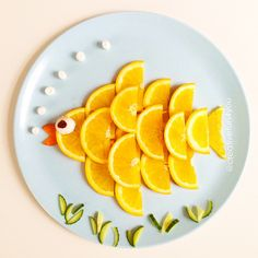 Snack: Orange Fish This is a fast and healthy snack that kids will love to eat. All parents have to do is slice an orange and cut some cheese into small round bites. The children can then arrange the orange slices to create their own fish. Finally they can place the cheese to create an eye and bubbles and enjoy!