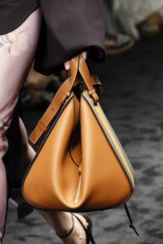 Designers dod not disappoint in the accessories arena this season. Take a look at the best bags from fall 2017 fashion month. Hermes Handbags, Burberry Handbags, Handbags Michael Kors, Burberry Bags, Miu Miu, Women's Crossbody Purse, Sacs Design, Burberry Women, Best Bags