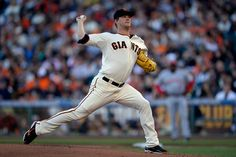 San Francisco Giants pitcher Matt Cain (18) pitches against the Cincinnati Reds in the first inning of their game at AT&T Park in San Francisco, Calif., on Saturday, June 28, 2014. (Jose Carlos Fajardo/Bay Area News Group)