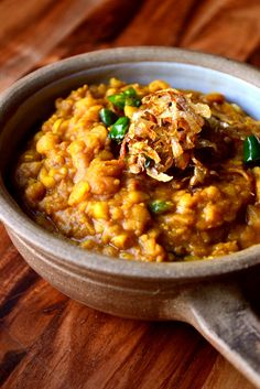 Tarka Dhal Tarka Dhal Serves 2-4 Ingredients: • 150g (yellow dried split peas) • 800ml water • 1 onion, very finely sliced • 2 tsp whole cumin seeds • 1 tsp whole coriander seeds • 3-4 cardamom pods • 3 fresh green chillies, roughly chopped • 1 heaped tsp garam masala • 1 heaped tsp mild or hot chilli powder • Oil • Salt and pepper