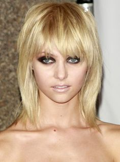 I started watching gossip girl and when i saw Taylor Momsen's hair, i completely loved it. The style is so edgy. Love it!