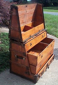 campaign furniture Antique Steamer Trunk - VERY RARE and Huge Theatrical Trunk Old Trunks, Vintage Trunks, Trunks And Chests, Antique Trunks, Antique Furniture, Cool Furniture, Unusual Furniture, Furniture Dolly, Furniture Design