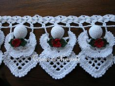 crocheted angel pattern..Free charted pattern!! This is gorgeous trim!! Wouldn't it be beautiful on Christmas towels??!!