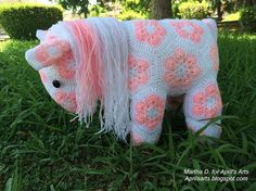 Free pattern !! Step-by-step how to crochet an african flower horse!