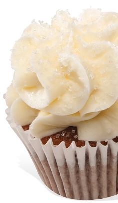 Sweet Potato Pie Sweet potato pie cake with bourbon cream cheese frosting, sprinkled with crystal sugar. Gigi's Cupcakes, Yummy Cupcakes, Cupcake Cakes, Fall Dessert Recipes, Just Desserts, Fall Recipes, Cupcake Flavors, Cupcake Recipes, Potato Pie
