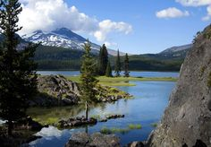 Lots of things to do in Bend and the area with the Oregon High Desert's incredible vistas of volcanic hills, waterfalls and lakes.