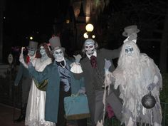 Haunted Mansion Costumes - Awesome!