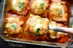 Courgette pakketjes met kip | Kookmutsjes Ravioli, Paleo Recipes, New Recipes, Bulgur Salad, Happy Foods, My Favorite Food, Summer Recipes, Food Inspiration, Zucchini
