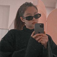 Blackpink Photos, Girl Photos, Selfi Tumblr, Girls Mirror, Jennie Kim Blackpink, Jennie Kim Tumblr, Mein Style, Applis Photo, Blackpink Fashion