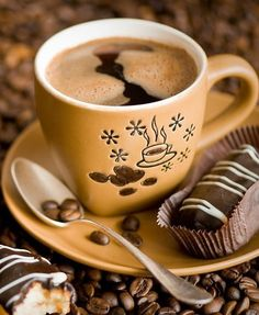 Coffee ☕️ is a perfect pairing with chocolate 🍫 Coffee Gif, Coffee Mug Quotes, Coffee Images, Hot Coffee, Coffee Break, Coffee Cups, Coffee Shop, But First Coffee, I Love Coffee