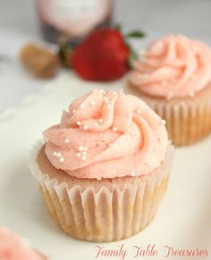 Romance your Sweetheart this Valentine's Day with Strawberry Champagne Cupcakes! What better way to say I love you than with Champagne with Strawberries!