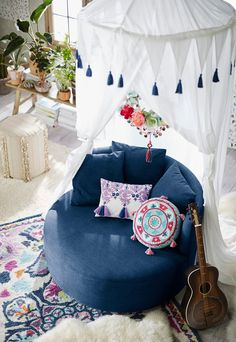 """It may surprise some that Lennon & Maisy's latest announcement doesn't have to do with performing or singing, decorating has always been a part of the sisters' lives. """"We've always had an interest in design, and are constantly changing the decor in our rooms just for the fun of it,"""" says Lennon, 16."""