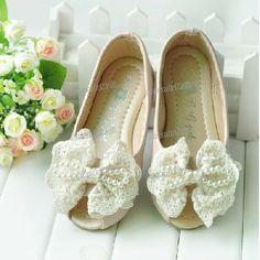 Flower Girls Shoes, Children's Princess Lace Bow Shoes- Adorable!