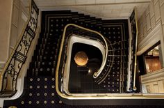 Brilliant beautiful stairwell at Sofitel Buenos Aires Arroyo - Argentina. Interior design by the famous Pierre-Yves Rochon. French Interior, Best Interior, Hotel Services, Top Interior Designers, Elle Decor, Contemporary Interior, Building Design, Lighting Design, Interior Architecture