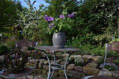 Morgenrunde durch den Garten - Allegrias Landhaus