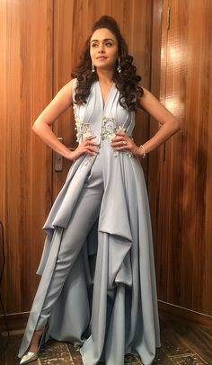 Fashion Jumpsuits Prom Dresses V-Neck Sleeveless Lace Appliques Satin Indian Gowns Dresses, Indian Fashion Dresses, Dress Indian Style, Indian Designer Outfits, Pakistani Dresses, Indian Outfits, Designer Dresses, Fashion Outfits, Prom Dresses