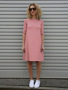 cotton jersey dress sewing pattern - Google Search Dress Images, Dress Patterns, Sewing Patterns, Sewing Stitches, Sewing Clothes, Dress Sewing, Diy Dress, Learn To Sew, Sewing For Kids