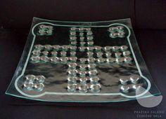Hrací deska Člověče, nezlob se!, lehané a pískované sklo, r. 2007 Mixer, Audio, Music Instruments, Stand Mixer, Musical Instruments