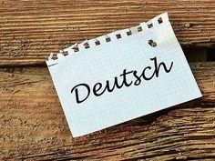 """Essayer de parler allemand avec votre """"Guten Morgen"""" et """"Auf Wiedersehen"""" en poche ? Vous y arriverez peut-être, mais serez vite à court d'inspiration ! Nous vous donnons la possibilité de survivre à cette épreuve et de passer inaperçu dans une conversation allemande : vocabulaire allemand courant, expressions idiomatiques, langage commun...comment dire bonjour simplement, rencontrer une personne, souhaiter un bon anniversaire, etc. Vous saurez vous débrouiller dans to..."""