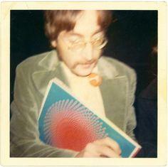 thebeatlesphotovault: Joy Taylor's photo of John. John Lennon Beatles, The Beatles, The Quarrymen, Joy Taylor, Beatles Sgt Pepper, George Martin, Lonely Heart, Ringo Starr, Beetlejuice