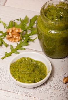 Walnotenpesto Vegetarian Recipes, Snack Recipes, Healthy Recipes, Brunch, Tapenade, Herb Butter, Pesto Sauce, Fun Cooking, Diy Food