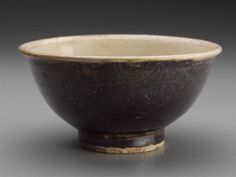 Bowl, Vietnam, Lê dynasty, 15th–16th century. Stoneware with white-and-brown glaze, underglaze cobalt blue decoration, unglazed stacking ring, Hop Lê style. Overall: 7 x 14 cm (2 3/4 x 5 1/2 in.). Gift of John D. Constable, 1989.754. © 2016 Museum of Fine Arts, Boston