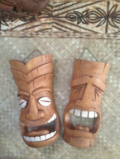 Comedy and Tragedy Dirk Yates Designed Tiki Masks from Smokin Tikis Chip Carving, Wood Carving, Tiki Totem, Tiki Tiki, Tiki Head, Tiki Mask, Comedy And Tragedy, Vintage Tiki, Hawaiian Theme