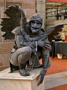 Living Statues: Gargoyles - Imgur