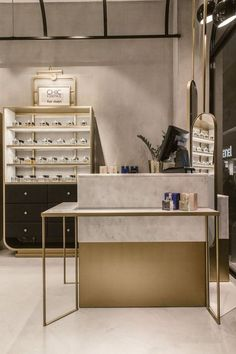 Retail ''Chic Essence'' Perfurme Shop - Picture gallery Another idea for a wedding favor for a weddi Boutique Interior, Shop Interior Design, Commercial Design, Commercial Interiors, Boutique Parfum, Vitrine Design, Jewelry Store Design, Jewelry Shop, Perfume Store