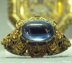 Enamelled gold ring with a sapphire, Italy, 16th century