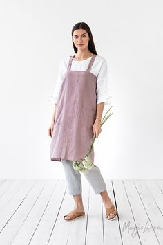 Japanese cross back linen apron. Linen cross over apron. No ties linen apron. Pinafore apron for woman - APRON - diyfrauentaschen The Pure, Criss Cross, Homemade Aprons, Japanese Apron, Japanese Style, Unisex Looks, Pinafore Apron, Waist Apron, Linen Apron