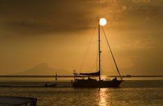 Bareboat Tahiti Yacht Charters & Boat Rentals nas Ilhas Leeward   As amarrações