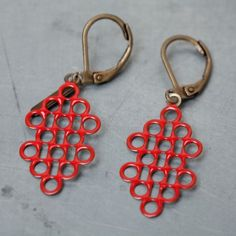 I love it! PENDIENTES SWING, By FRENCH TOUCHE. #Pendientes rojos vintage ideales. (Tratada latón. bronce color, esmalte rojo. Sin níquel). https://www.facebook.com/ChicPlace.es
