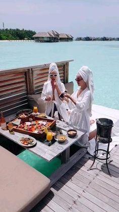 Maldives Vacation, Maldives Resort, Beach Love Couple, Gili Lankanfushi, Instagram Creator, Paradise Island, Travel Videos, Island Girl, Island Resort