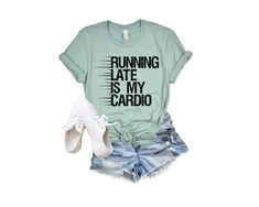 Funny Running Shirts, Running Humor, Sports Mom Shirts, Happy Birthday For Him, Best Cardio, Sports Women, Gym Workouts, Tees, Fitness